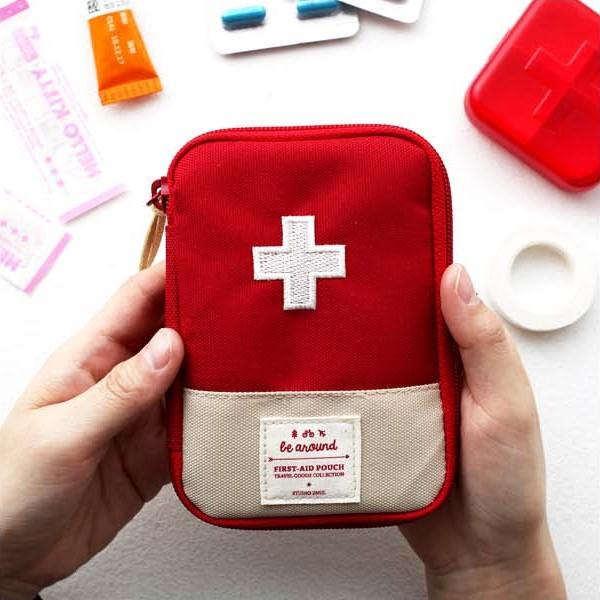 Đừng quên mang theo dụng cụ y tế